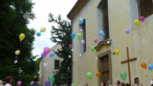 Leť balónku, leť ....